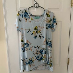 Like new floral Filly Flair T-shirt